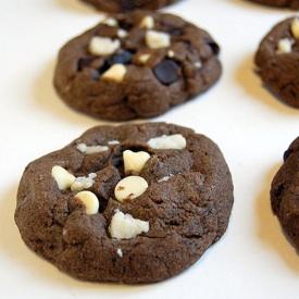 Row of Oreo Cookie Cookies